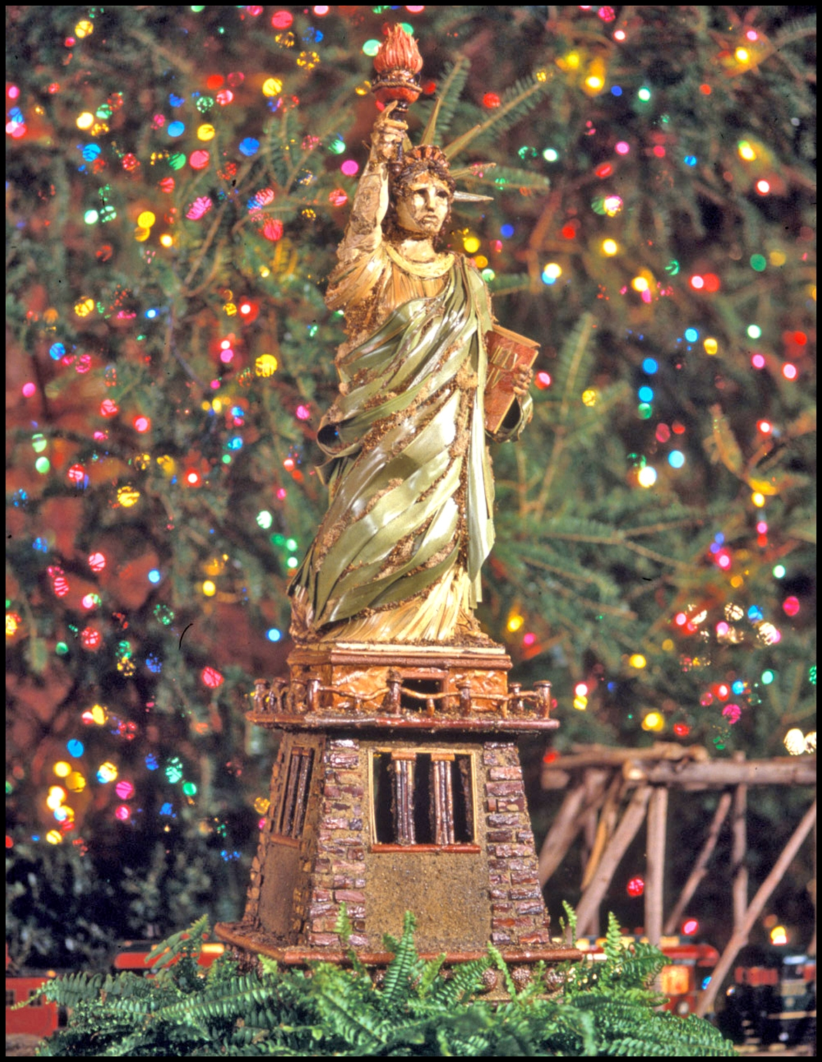 new-york-botanical-gardens-holiday-train-show004